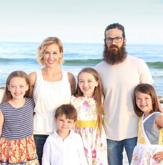 Jessica and Jep Robertson with their children